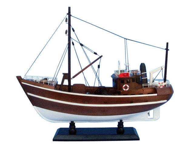 Wooden Fishin Impossible Model Boat 19