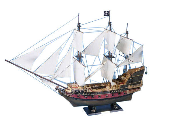 Captain Kidds Black Falcon Limited Model Pirate Ship 36 - White Sails