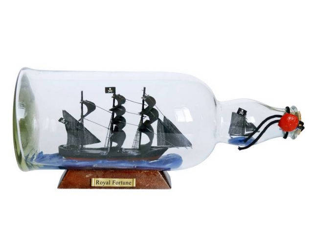 Black Bartandapos;s Royal Fortune Model Ship in a Glass Bottle 11