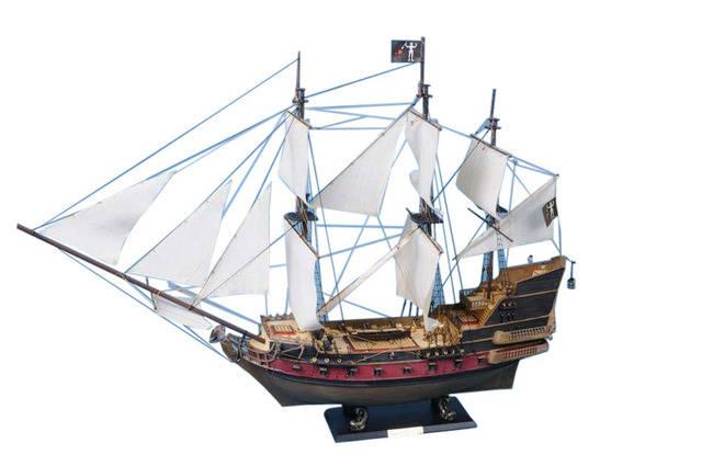 Blackbeards Queen Annes Revenge Model Pirate Ship 36 - White Sails