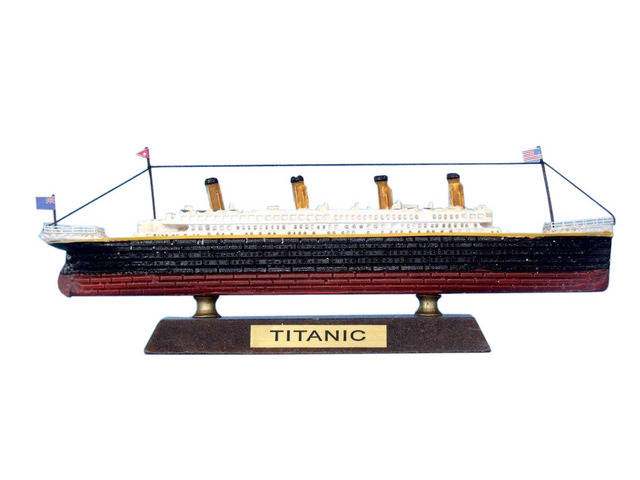 RMS Titanic Limited Model Cruise Ship 7