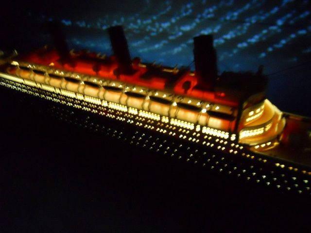 RMS Titanic Limited w- LED Lights Model Cruise Ship 50